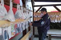 Drmoulští hasiči pořádali rouškobraní v loňském roce.
