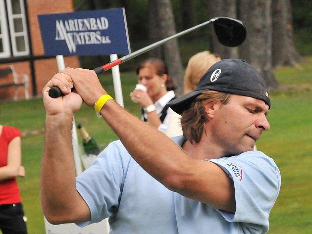 Na hřišti Royal Golf Clubu Mariánské Lázně se konal VII. ročník golfového turnaje Charity Challenge Tournament For Hockey Juniors, jehož výtěžek jde na mládežnický hokej v Mariánských Lázních.