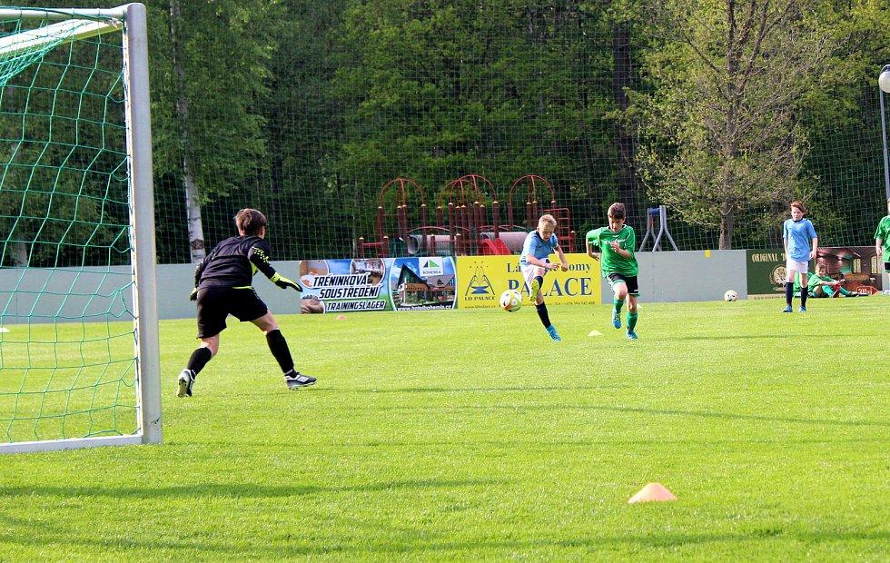 V dalším kole okresního přeboru mladších žáků se mezi sebou utkaly celky Františkových Lázní a Dolního Žandova.