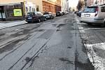 Části chebských ulic Obrněné brigády a Valdštejnova se už brzy dočkají opravy.