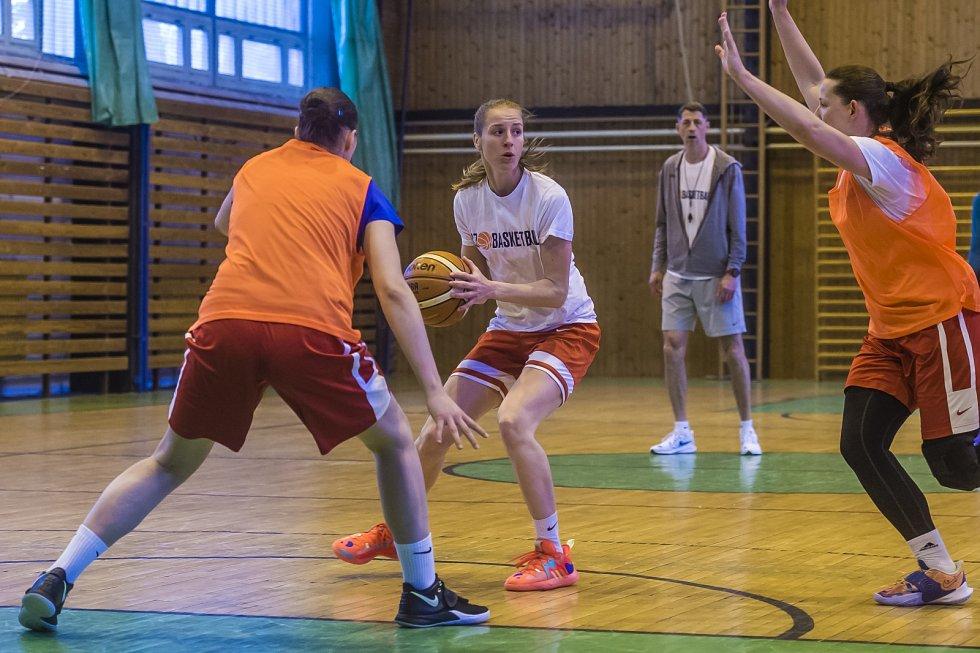 Kemp českých basketbalistek v Mariánských Lázních