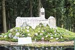 Model hradu Loket z dílny slavkovských odsouzených