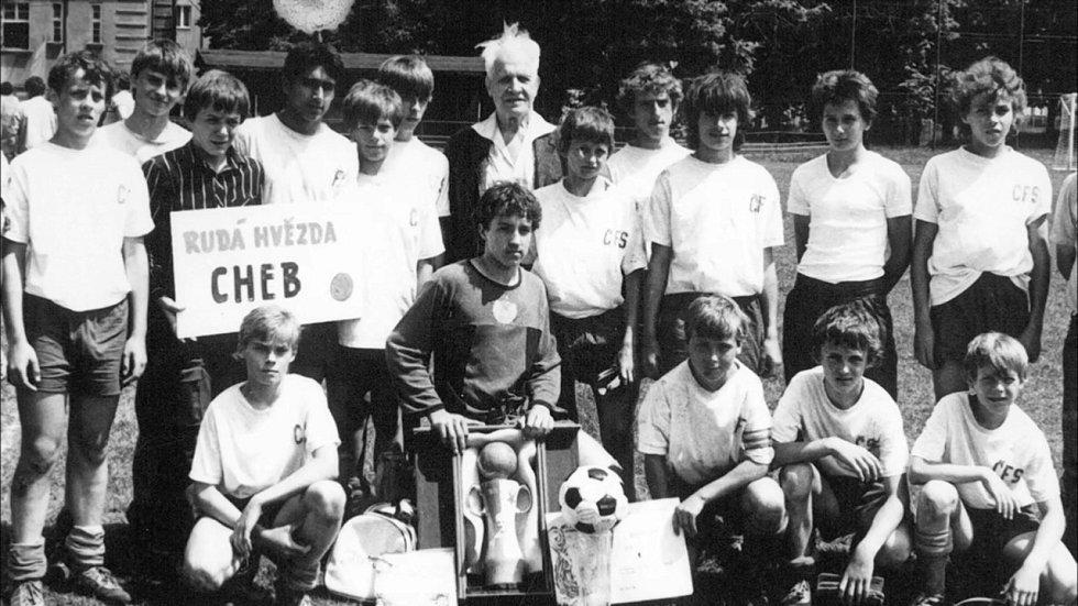 Pavel Nedvěd oblékal v žákovském věku jednu sezonu dres RH Cheb, třeba i na turnaji Františka Pláničky v Aši.