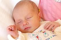 EMA NEMČEKOVÁ přišla na svět v pondělí 2. září v 18.30 hodin. Při narození vážila 2 480 gramů a měřila 49 centimetrů. Mamika Blanka a tatínek Michal se radují z malé Emičky doma v Hranicích.
