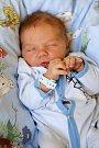 MATYÁŠ PAULÍNY bude mít v rodném listu datum narození sobotu 25. června v 12.21 hodin. Na svět přišel s váhou 3 480 gramů a mírou 50 centimetrů. Z malého Matyáška se raduje doma v Chebu bráška Tadeáš spolu s maminkou Monikou a tatínkem Miroslavem.