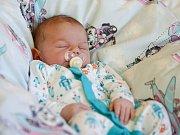 MAXMILIÁN JAROŠ si prohlédl svět v pondělí 14. března v 11.12 hodin. Při narození vážil 3 740 gramů a měřil 50 centimetrů. Maminka Nikola a tatínek Roman se radují z malého Maxmiliánka doma v Aši.