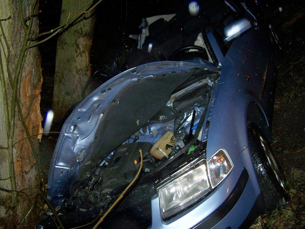 Tragická dopravní nehoda, která se stala v pondělí 23. března večer u odbočky na Horní Hrad