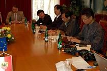 Cheb navštívila delegace z Jižní Koreje. Chtěli vědět, jak funguje spolupráce regionů z bloku okolo bývalé železné opony