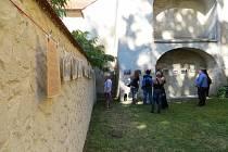 Jedinečný umělecký festival Chebské dvorky přilákal do městských dvorků města Chebu stovky hostů.