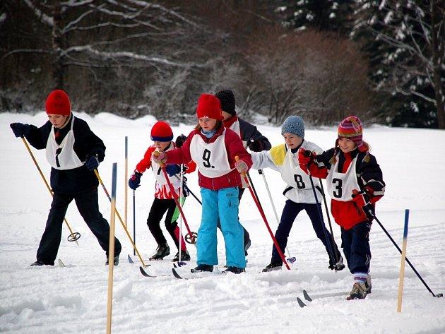 Běh na lyžích si v sobotu v Mariánských Lázních užili i ti nejmenší lyžaři