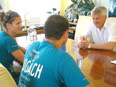 Cyklotým proti drogám hovořil i s mariánskolázeňským starostou Zdeňkem Králem.