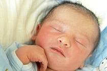ŠTEFAN RŮŽIČKA se narodil v pondělí 1. srpna ve 13.22 hodin. Při narození vážil 3340 gramů a měřil 50 centimetrů. Doma v Milhostově se z malého Štefánka těší maminka Aneta spolu s tatínkem Štefanem.