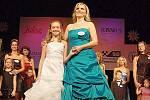 Bouřlivý aplaus i slzičky štěstí provázely české zemské finále charitativní soutěže Missis 2012, které se odehrálo v sobotu odpoledne v mariánskolázeňském divadle.