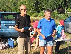 Karel Pilař z Aše (vpravo) zvítězil v sobotním závodě u Velkého Rybníka. Druhý skončil Petr Beránek z KOS Plzeň