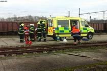 Nezletilé chlapce při lezení na vysokých vagónech zasáhl elektrický proud.
