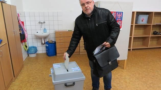 Miroslav Přádka z Ostravy volil cestou do Německa v Chebu