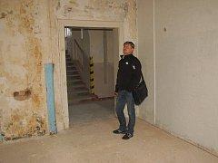 DRUHOU ČÁST BUDOVY kulturního centra LaRitma v Aši (na snímku) si stavební firma vezme do parády v příštích letech. Po dokončení oprav se sem přesune základní umělecká škola.