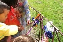 Zahrada bude sloužit větším školákům pro výuku, předškolákům ke hraní.