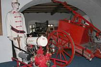 V muzeu zemědělské techniky ve Skalné se návštěvníci přenesou do minulých časů.