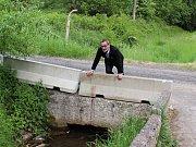 V rámci úprav cesty na Švédský vrch se bude upravovat i propustek zdejšího potoka.