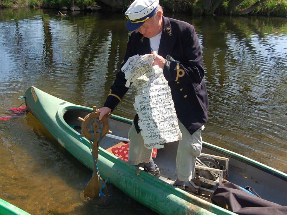 Vodáci už po třiatřicáté úspěšně odemkli řeku Ohři.