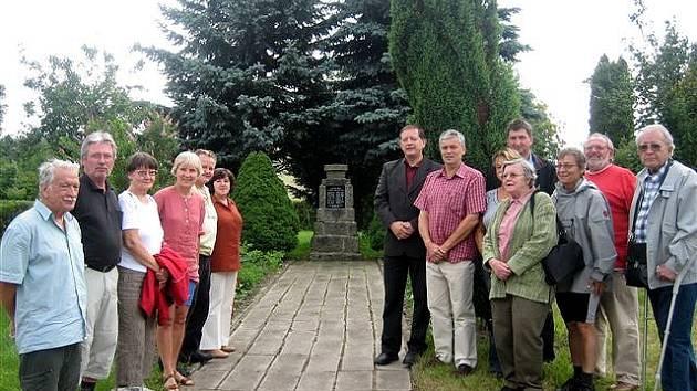 Skupina německých antifašistů v Hazlově
