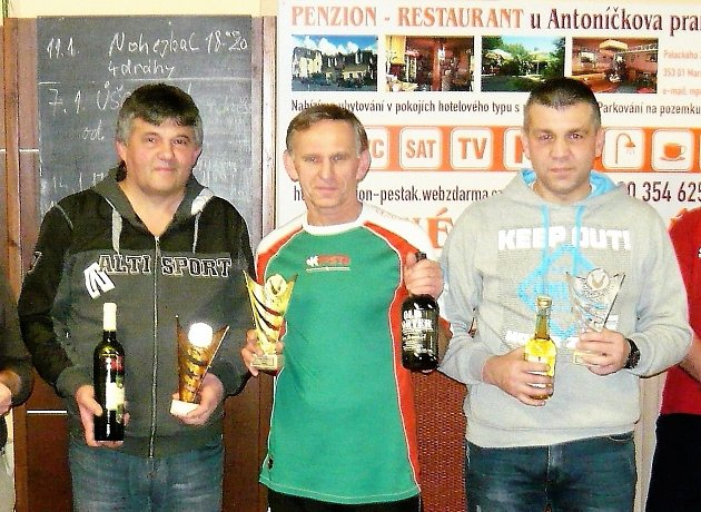 Medailisté Úšovické kuželky. Zleva Ivan Boško (3.), Josef Milota (1.) a Rudolf Káva (2.)