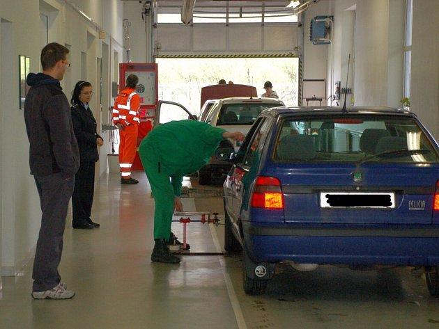 Možnosti nechat si bezplatně zkontrolovat auto na chebské STK využilo 53 řidičů