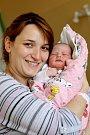 ELIŠKA DLOUHÁ se narodila ve středu 5. dubna v 6.12 hodin. Na svět přišla s váhou 3 320 gramů. Maminka Lucie a tatínek Pavel se radují z malé Elišky doma v Aši.