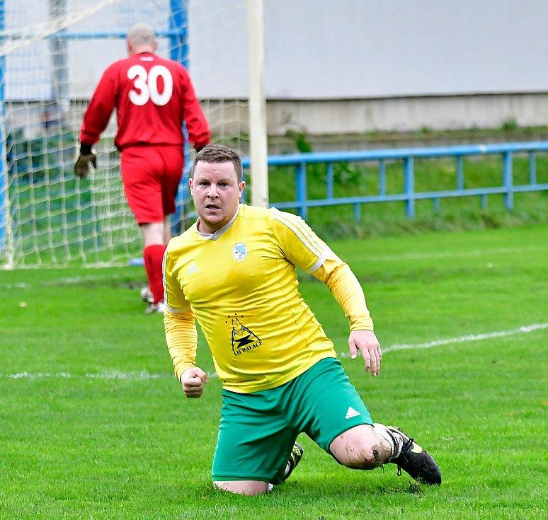 Osm branek nastříleli na stadionu na Růžovém Vrchu hráči v dresu Františkových Lázní, kteří dosáhli na výhru 8:3.