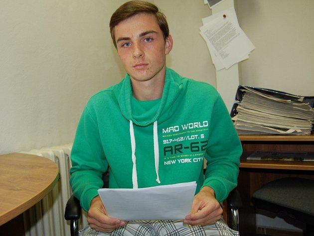 NAD PLÁNEM AKCÍ CHEBSKÉ SEBEREVOLTY s Deníkem hovořil student Erik Urbaník.