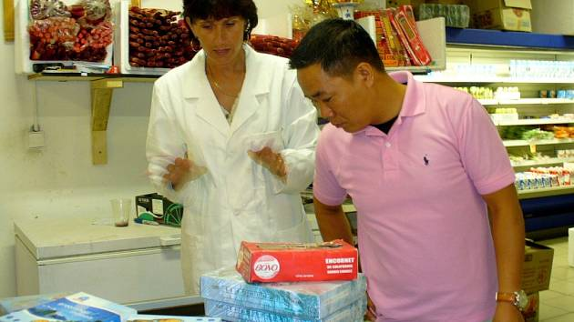 Pracovníci Krajské veterinární správy kontrolovali vietnamské provozovny v Chebu