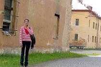 AREÁL BÝVALÝCH KASÁREN Julia Fučíka v Chebu chátrá.