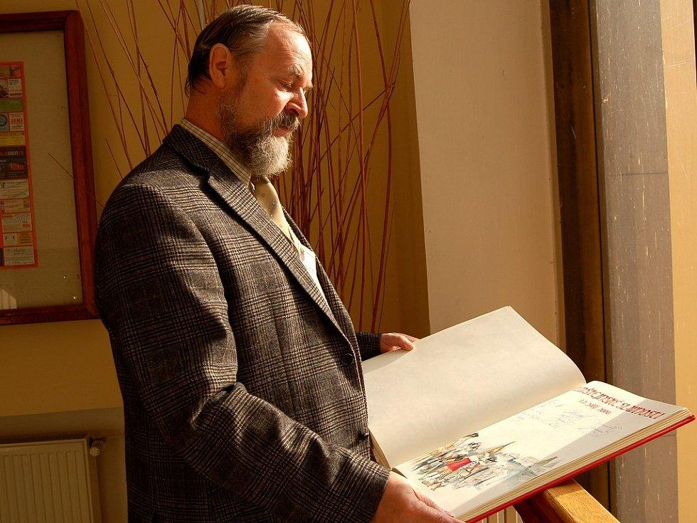 Jindřich Turek s chebskou kronikou