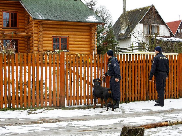 KONTROLA chat přes zimu není jen na policistech, ale především na majitelích. Nezvaní hosté se mohou objevit kdekoliv.