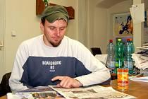 VÁCLAV ŠMEJKAL si v Chebském deníku nikdy nenechá ujít zprávy z kultury v našem regionu.