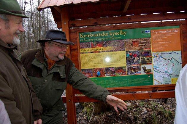 Slavnostní otevření naučné stezky po minerálních pramenech v Lázních Kynžvartu