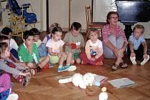 DĚTI SE V MATEŘSKÉ škole v Novém Kostele rozhodně nenudí.