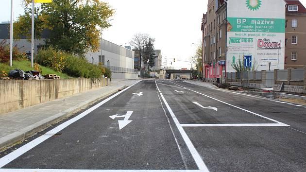Oprava důležité dopravní tepny v Chebu je u konce. Řidiči si mohou oddechnout. Skončila oprava Pivovarské.