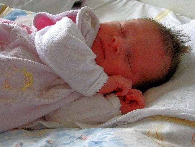 TEREZA  TAMOKOVÁ  ze Staré Vody se narodila v chebské prodonici 22. dubna ve 3.00 hodiny. Měřila 47 centimetrů a vážila 3 kilogramy