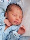 SAMUEL ERNEST GRUNDZA se narodil v pátek 16. Říjnav 11.29 hodin. Na svět přišel s váhou 3 010 gramů a mírou 49 centimetrů. Doma v Teplé se z malého Samíka těší sestřička Vaneska spolu s maminkou Kamilou a tatínkem Ernestem.