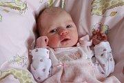 VIKTORIE BARTOVÁ přišla na svět pondělí 1. ledna v9.15 hodin. Při narození vážila 3060 gramů. Maminka Veronika a tatínek Milan se těší zmalé Viktorky doma vChebu.
