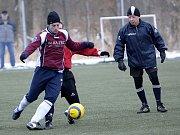 I když se čekalo, že mužstvo Hazlova porazí výrazně svého soupeře  v zápase zimního fotbalového turnaje ve Františkových Lázních, nakonec byli Hazlovští rádi, když zvítězili nad Habartovem 3:2.