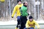 První zápasy zimního fotbalového turnaje ve Františkových Lázních. (ve žlutém Františkovy Lázně, zelení Habartov, červení Union, fialoví Hazlov)
