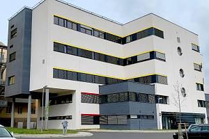 Pokud všechno půjde podle plánu, měla by být kompletní rekonstrukce nemocnice v Chebu hotová na jaře 2022.
