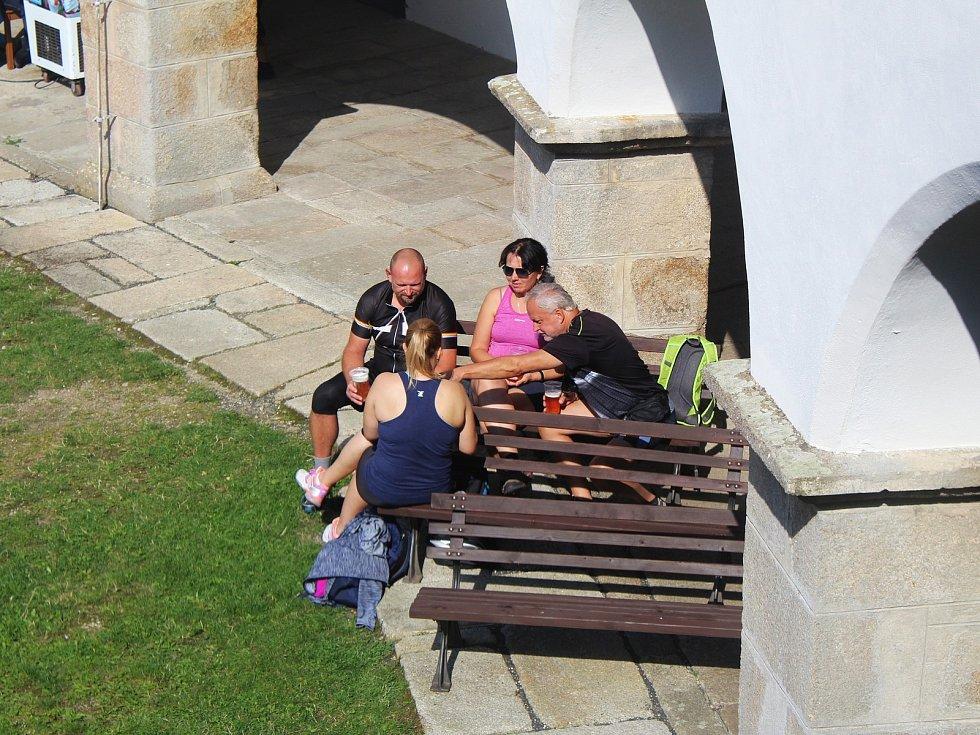 Kasteláni a kulturní spolky z Karlovarského kraje se sjeli na hrad Seeberg.