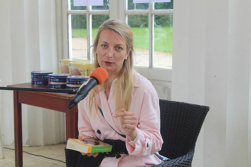 V Mariánských Lázních se uskutečnil festival Knižní lázně, mezi hosty byli herečka Anna Polívková a spisovatel Jaroslav Rudiš.