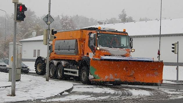 Přes předchozí varovaní meteorologů překvapilo počasí na Chebsku řadu občanů. A to především  motoristy!