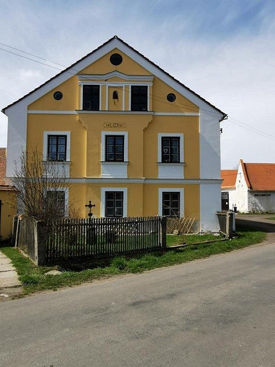 Nový Drahov je obec v místní části obce Třebeň v okrese Cheb.