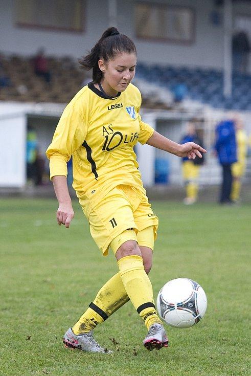 Eliška Trampuschová z Hvězdy Cheb je po podzimu nejlepší střelkyní chebského družstva